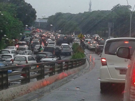 Jakarta's Traffic Jam 2015 - image by Octine R.