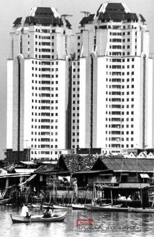 Jakarta's Contrast