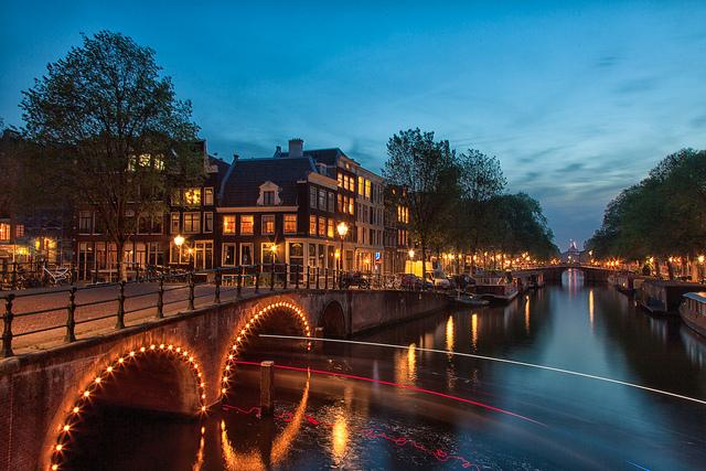 Amsterdam Canal ring by Lassi Kurkijärvi