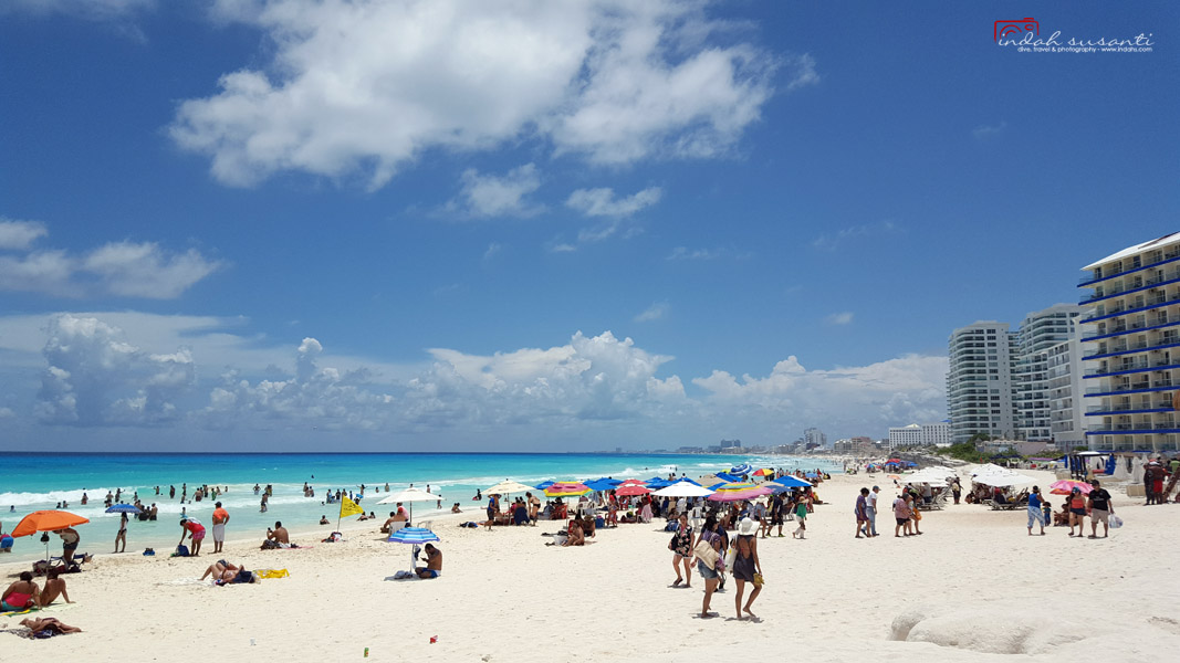 Cancun Beach Pictures