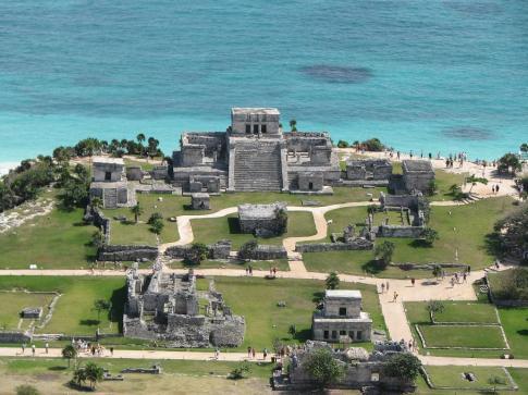 Tulum Ruins (image from http://libresdefe.blogspot.com/)
